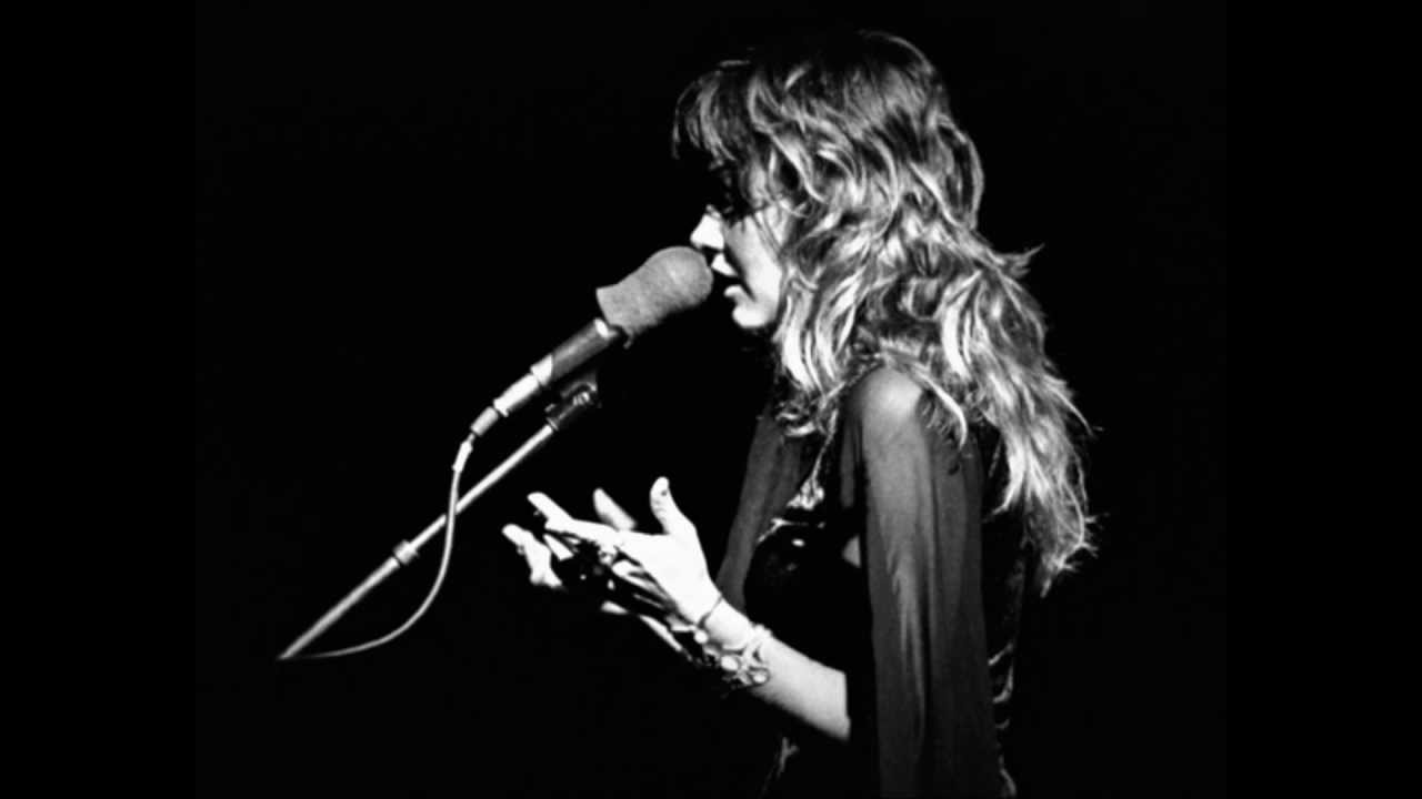 Young Stevie Nicks Singing